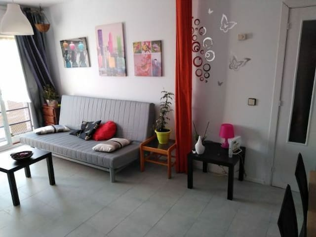 Habitación en  apartamento, cerca de IFEMA