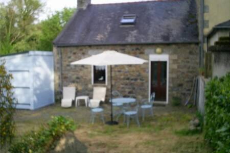 Petite maison bretonne cosy - Plusquellec - Talo