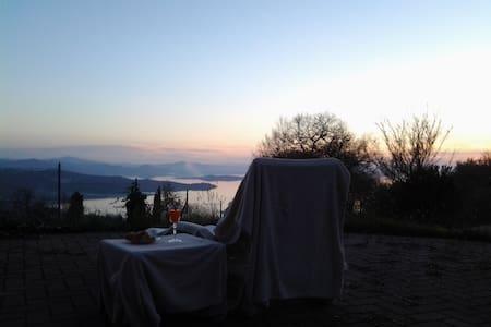 Home the Lake in the heart - Passignano Sul Trasimeno