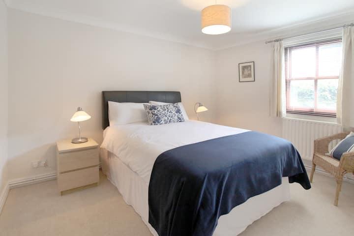 Modern 2 Bedroomed Serviced Flat