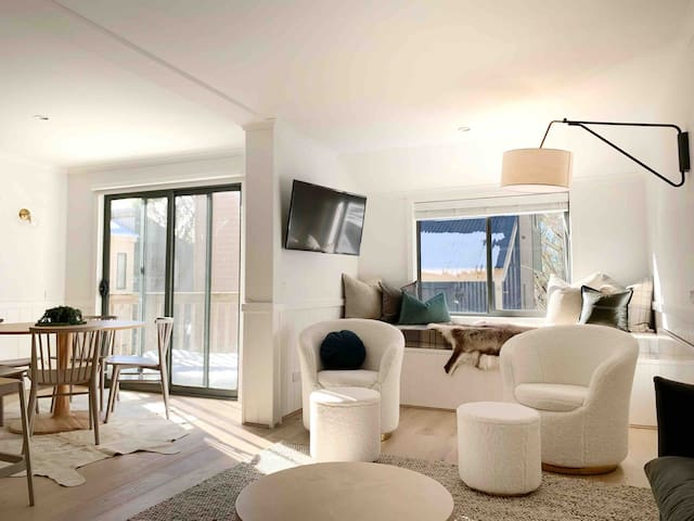 Disco 7, Private 4 Bedroom Chalet at Mt Buller.