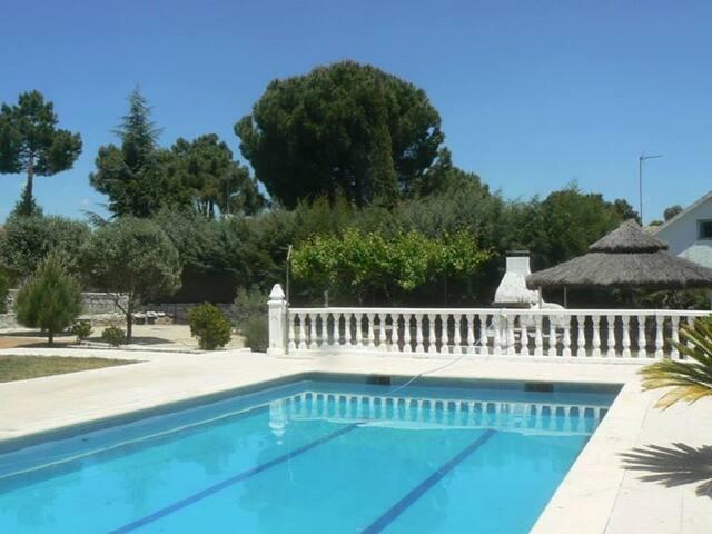Modern villa with private pool - Valdemorillo - Villa