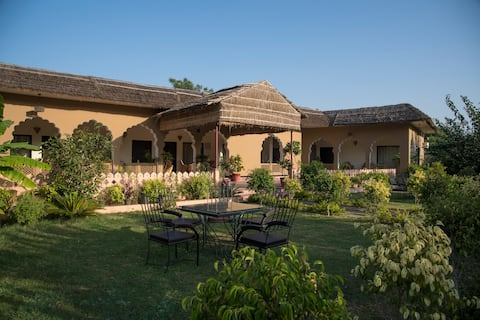 Ranthambhore Aangan - Luxury, Full Service Stay