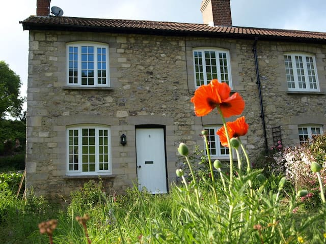 Poppy Cottage, Axmouth