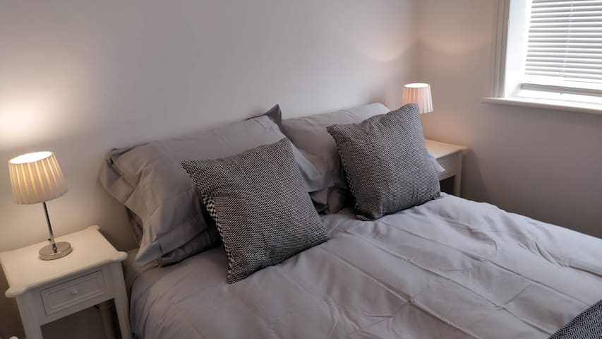 Cosy One roomed flat (Twin)