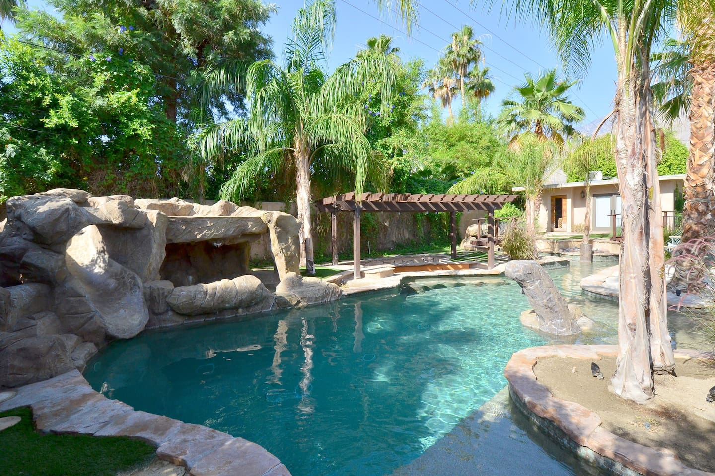 palm springs id 98 villas for rent in palm springs