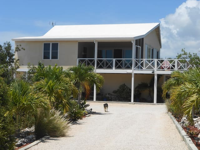 Flamingo Lake House - Providenciales, Turks & Caicos - House