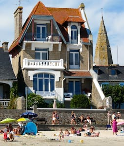 Villa classée, vue exceptionnelle ! - Larmor-Plage - ที่พักพร้อมอาหารเช้า