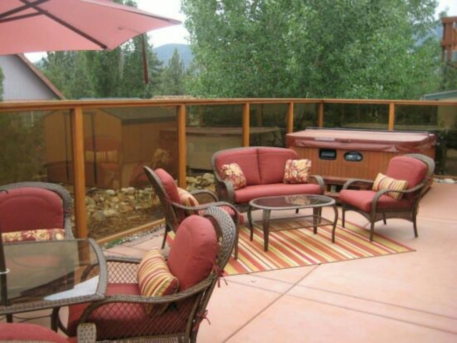 Hot tub and deck space to star gaze on summer nights or warm up after snow days