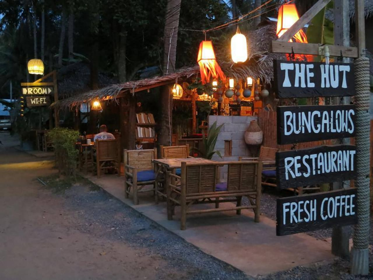 The Hut Bungalows and Restaurant - Klong Nin Beach, Ko Lanta. Clean, budget rooms, cheap and tasty food. We have bikes for rent, laundry service and friendly staff. Close to beach, market and other restaurants.