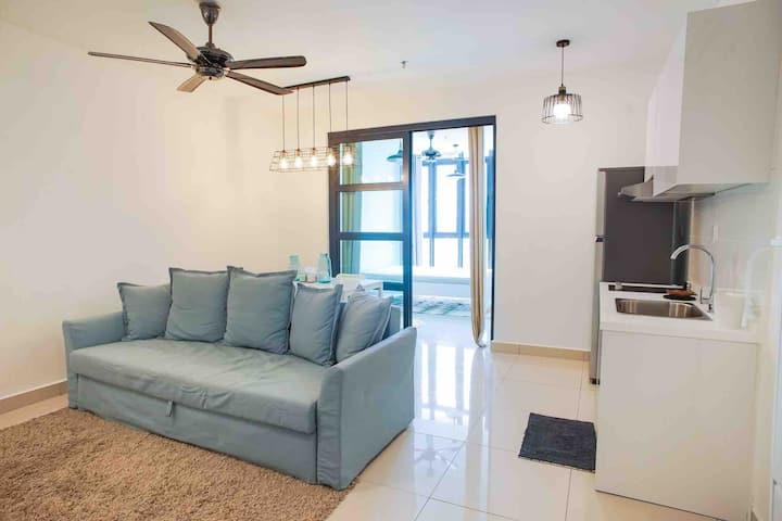 Netflix & Chill H2O Residences Ara Damansara