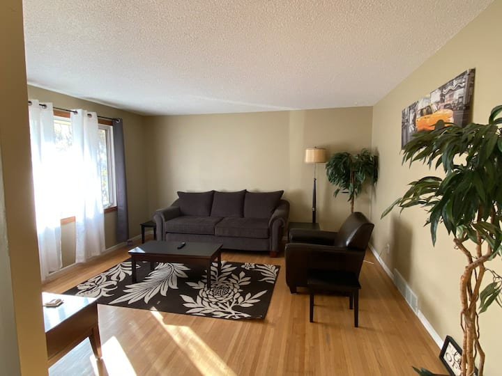 ⭐️Spacious Guest Suite With Full Amenities⭐️