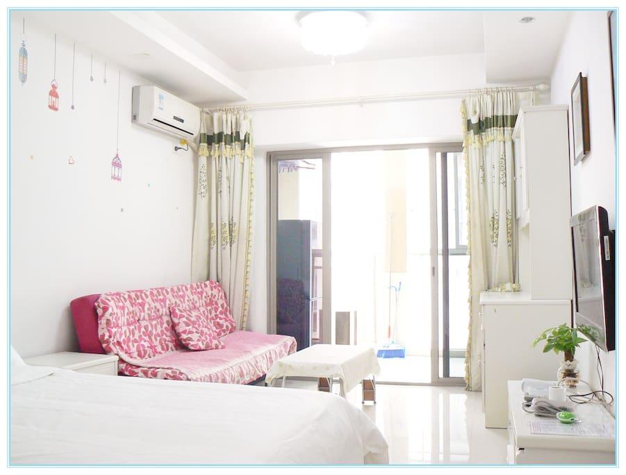One-bedroom Apartment With Balcony 单间公寓(带独立洗手间和观景阳台)
