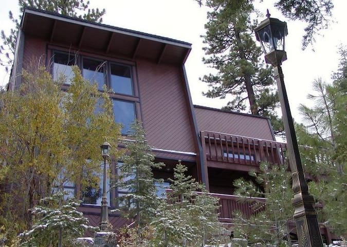 Tahoe Mountain Cabin! - South Lake Tahoe - Chatka