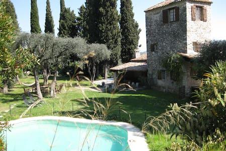 Mas authentique 5ch  jardin piscine - Nice