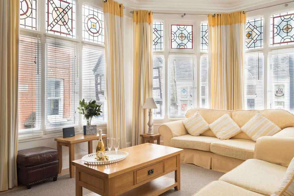 Beautiful, spacious lounge overlooking Dartmouth