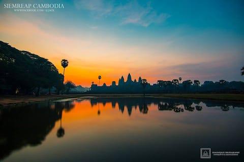 Khmer House + Angkor Wat tour by Remork(Tuk Tuk)