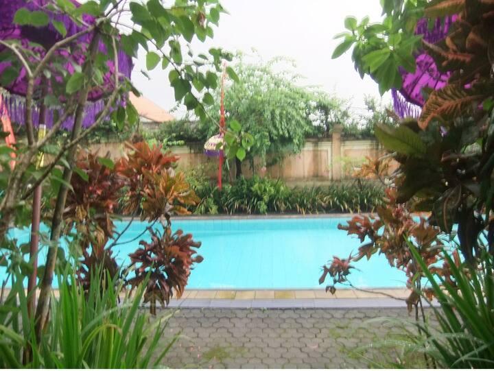 Comfy homestay in Kerobokan in lovely setting