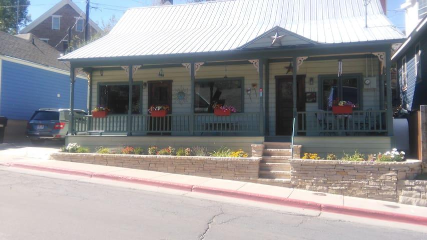 Sundance Main St. 2 bd 2 bath walk to everything - Park City - House