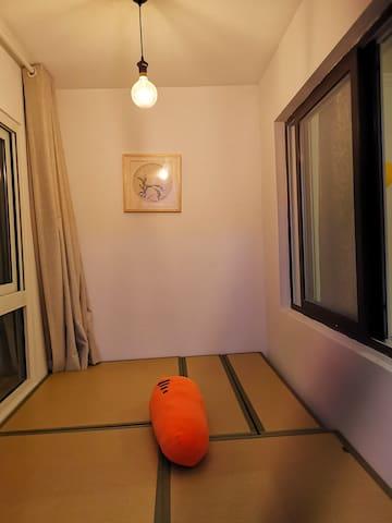 阳台榻榻米卧室