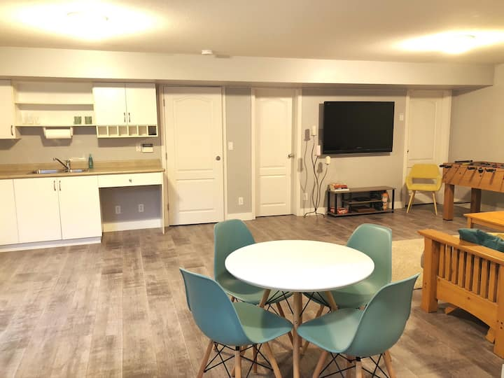 Your Home away from Home in Charming Cloverdale