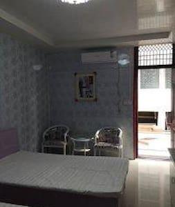 烟台复式温馨两室双大床家庭套房 - Yantai