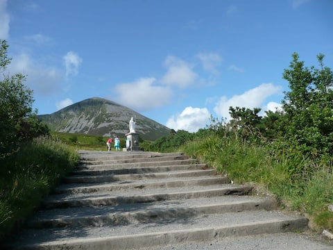 """Sruthín House"" Nearest B&B to Croagh Patrick"