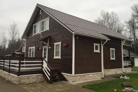Дом у озера Гладышевское - Выборгский р-н