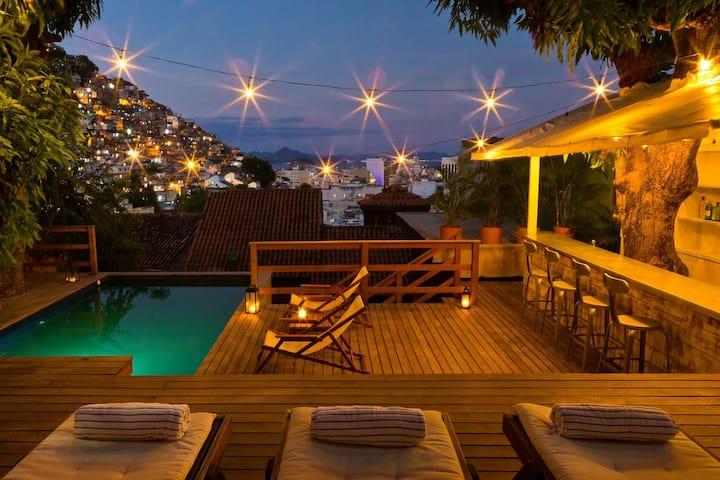 Breathtaking Villa in Ipanema by the Hill