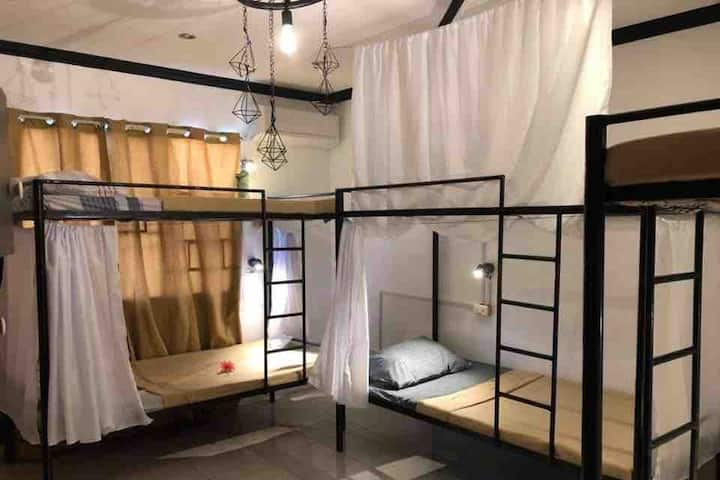 bunk beds good for 6 pax low price