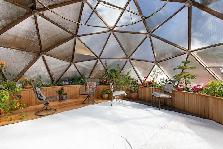Awe inspiring retreat house and Yoga dome
