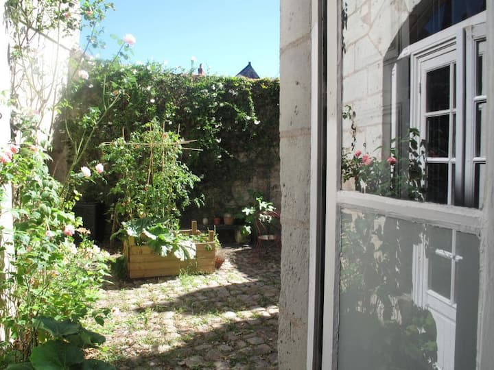 Maison du Corbelier - small room