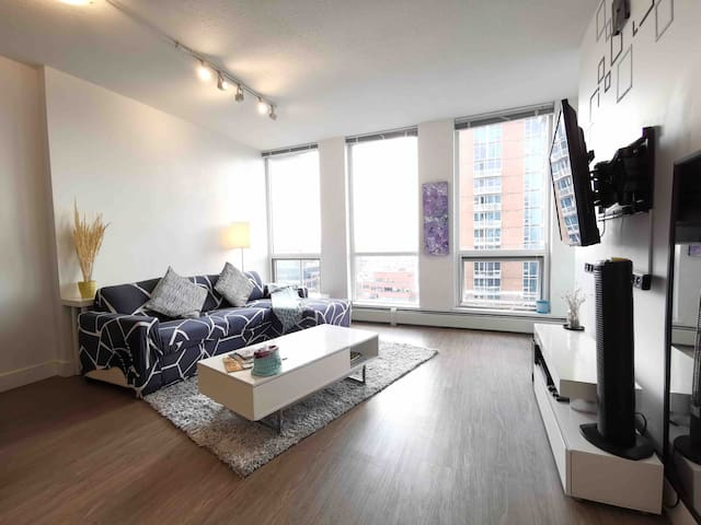 17th Ave - Downtown 1 bdrm Suite