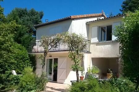 Charente - comfortabele vakantievilla Le Chat - Écuras