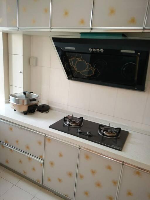 厨房,可以自己DIY海鲜