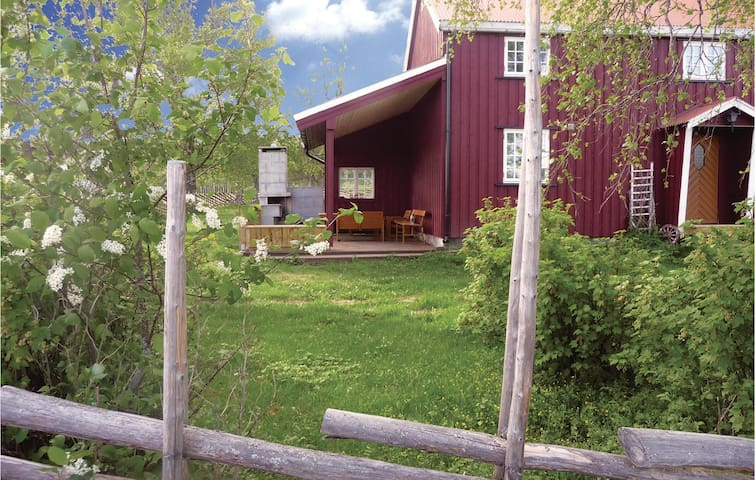 Holiday cottage with 4 bedrooms on 100m² in Steinkjer