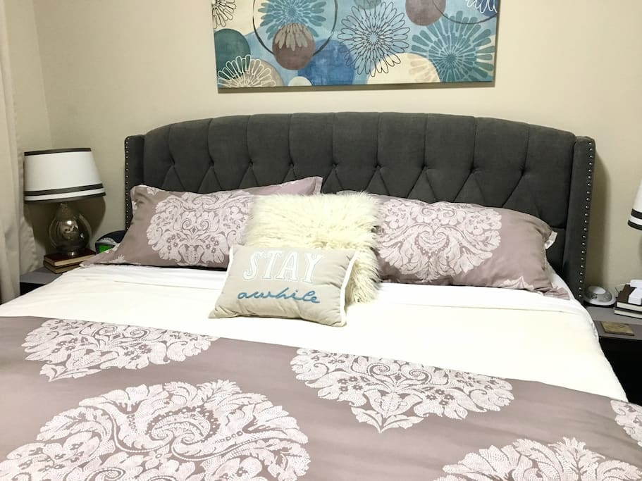 """""""Paul and Darlene's B&B provides all the comforts of home and more! The location is perfect, the house is spotless, and we felt completely pampered.""""-Richard"""