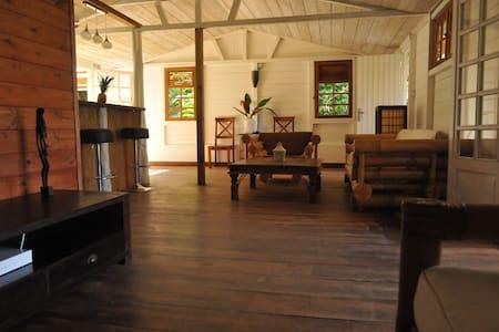Haut de villa avec vue mer - Le Marin
