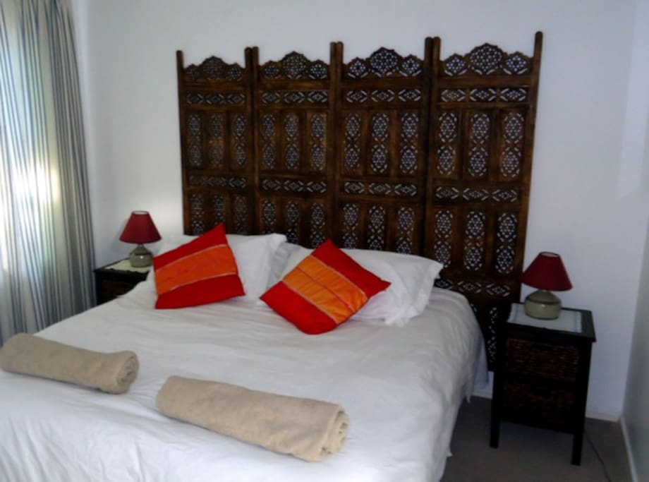 Double room with queen size bed and on-suite shower & toilet;