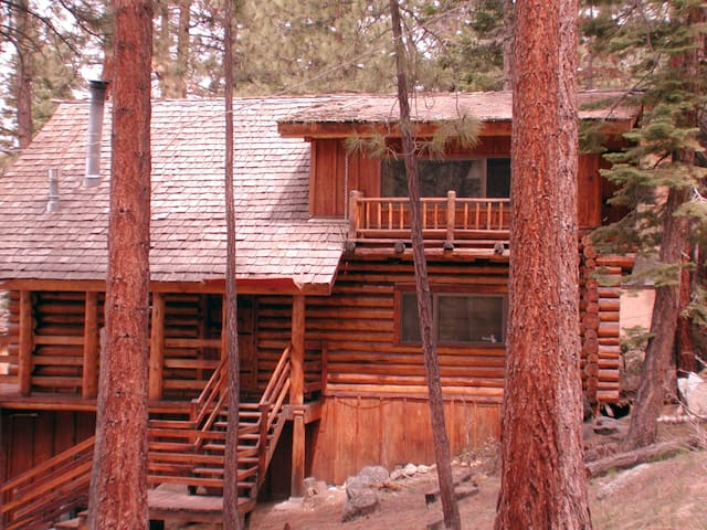 Rustic Log Home Sleeps 16 n/Beach - Zephyr Cove-Round Hill Village - Cabin