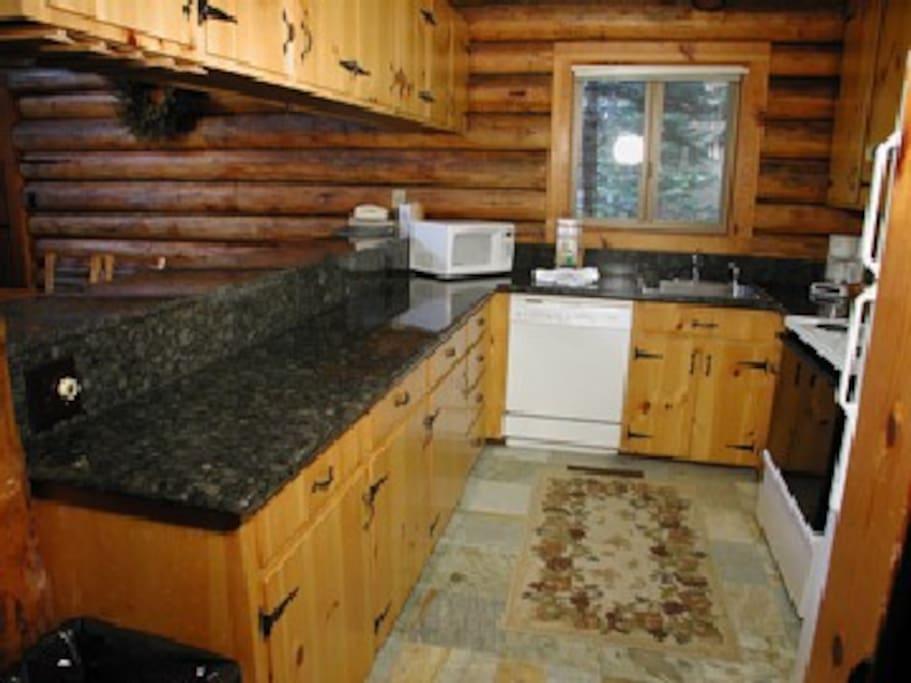 Rustic Tahoe Log Home Sleeps 16