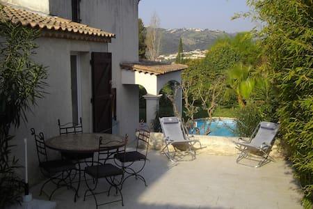Guest apartment + private terrace near Cannes - Pégomas - Leilighet