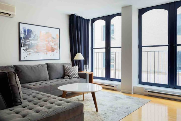 Spacious Loft Located in the HEART of the Old Port