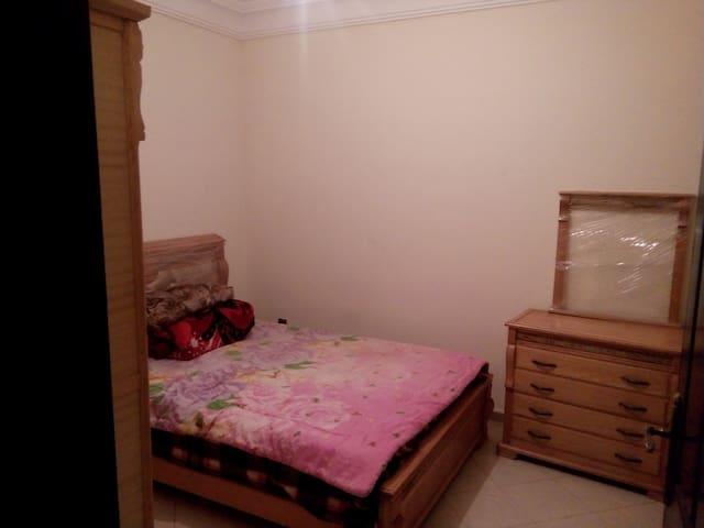 Chambre  // 2 Km près de l'Aéroport Mohmed 5