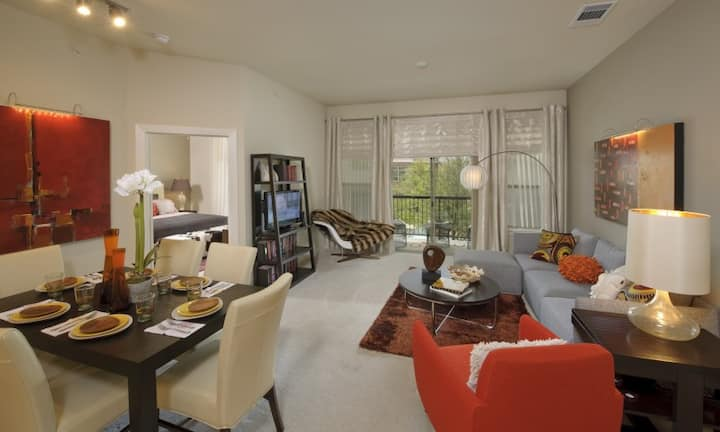 Live + Work + Stay + Easy | 1BR in Nassau Bay