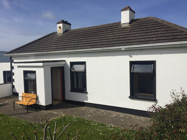 Country farmhouse cottage, - Ballyheigue - House