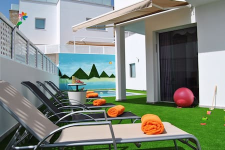 BIG VILLA TAURO PRIVATE HEATED POOL &BBQ&GAME ROOM