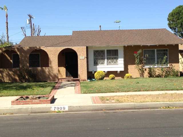 3 bedrooms to rent till 12-31-14 - Los Angeles - Maison