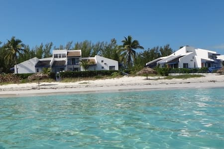 Beautiful Beach Front Double Villa - Great Harbour Cay