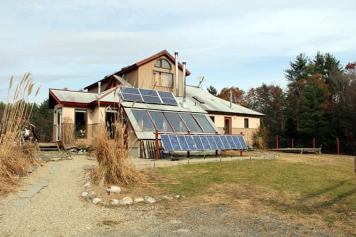 Starlight Llama Bed & Breakfast - Solar Powered!